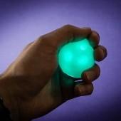 Múdra plastelína v plechovke meniaca farbu pod UV svetlom