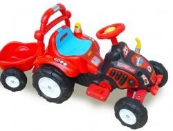 Elektrický traktor s vlekom, náradím, nálepkami