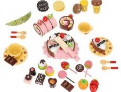 Drevený box plný sladkostí na hranie
