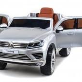 Volkswagen Touareg s 2.4G DO, EVA kolesami, otváracími dverami, čalúnenou sedačkou, LED, FM, USB, TF, bluetooth, pružením, metalíza
