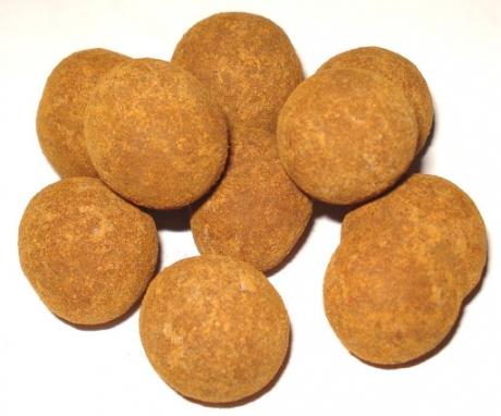 Lieskové orechy v mliečnej čokoláde obalené škoricou 500g