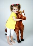 Krásny plyšový koník, hnedák, maznáčik detí, 94cm